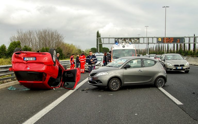 Incidente auto straniera