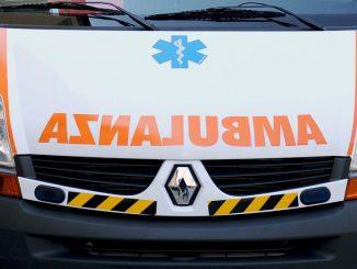 Milano, si schianta contro un palo: 63enne morto sul colpo