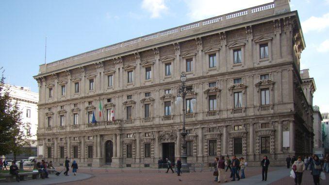 Milano, arrestati dirigenti e un funzionario del Comune: