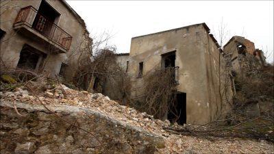 Ancora case diroccate del borgo