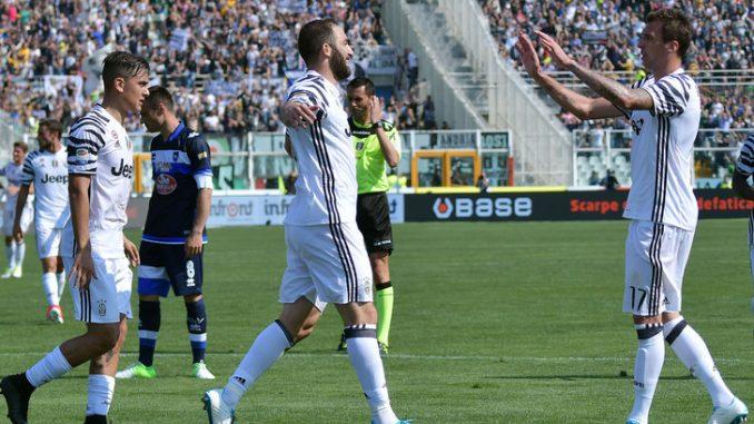 Pescara-Juventus 0-2: doppietta di Higuain e +8 sulla Roma