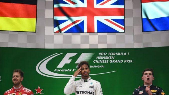 Formula 1, Gp Cina 2017: Hamilton conquista la vetta. Vettel è secondo, terzo Verstappen