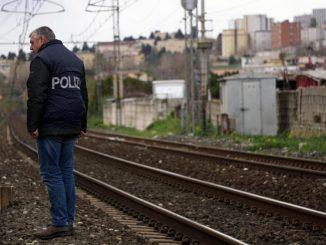Napoli, 70enne travolto da un treno: muore sul colpo