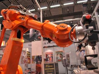 robot manifatturiero