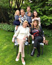 Michelle Hunziker, fecco la foto di famiglia per la Festa della Mamma