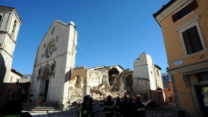 Crollo del centro operativo a Norcia, 11 avvisi di garanzia