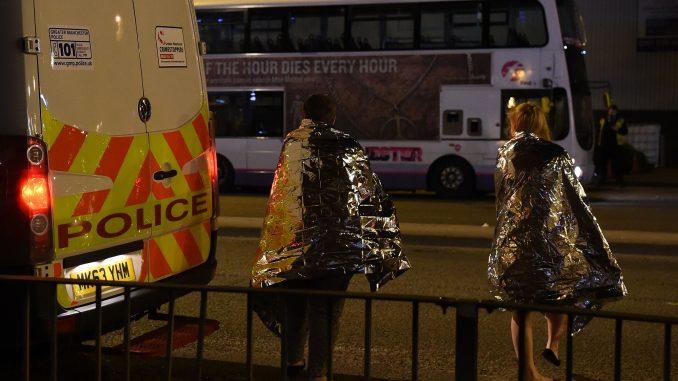 Manchester, May: allarme alto, probabile altro attacco terroristico