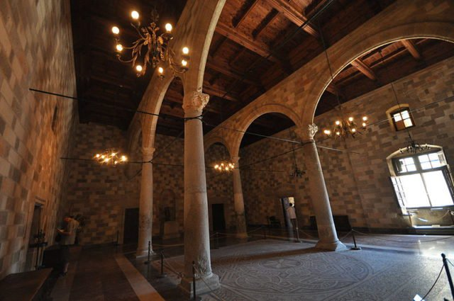Built-in-the-early-14th-century-by-the-Knights-of-Rhodes.-Photo-Credit-640x425