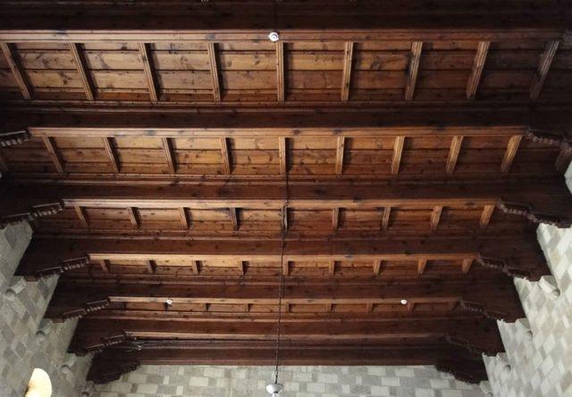 Le assi di legno del soffitto