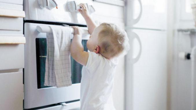 Bambini, incidenti domestici: come evitarli