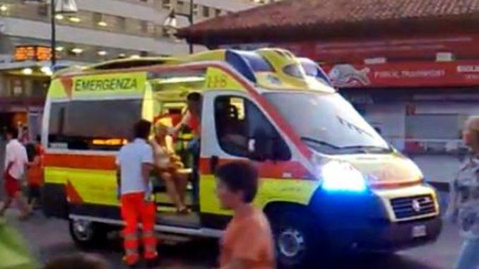 Roma: una donna fuma cocaina e si getta dal secondo piano, illesa