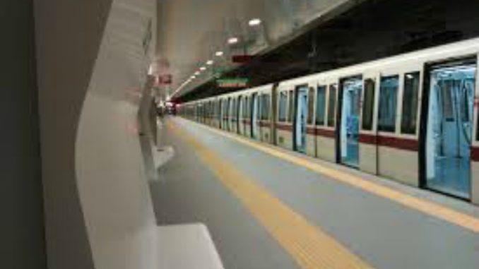 Odore di gas in stazione, stop alle metro