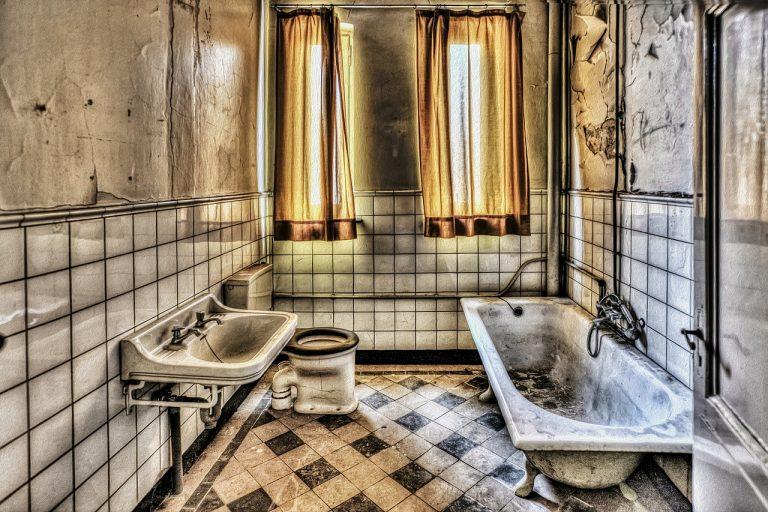Come arredare il bagno: ecco i 10 oggetti da non perdere
