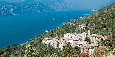 Il borgo sul Lago di Garda