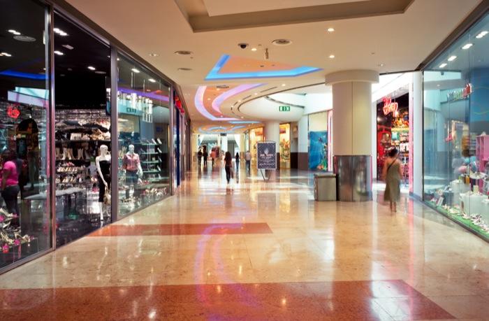 Aprire un negozio in un centro commerciale conviene for Centro commerciale campania negozi arredamento