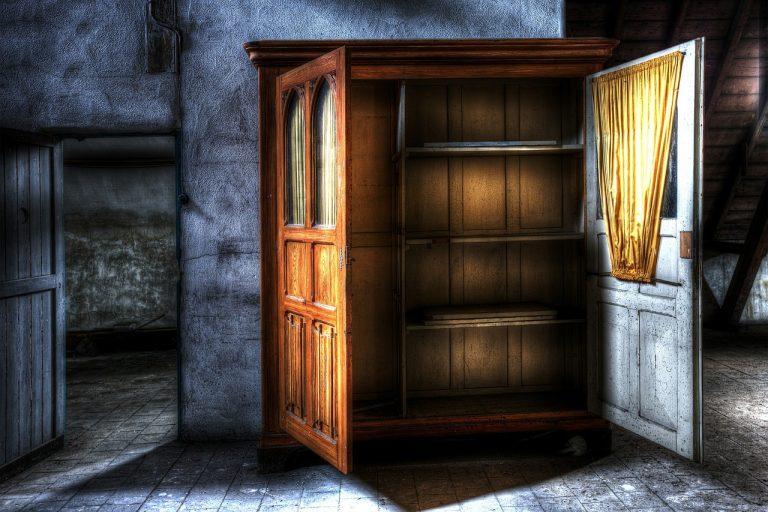 closet 426386 1280 768x512