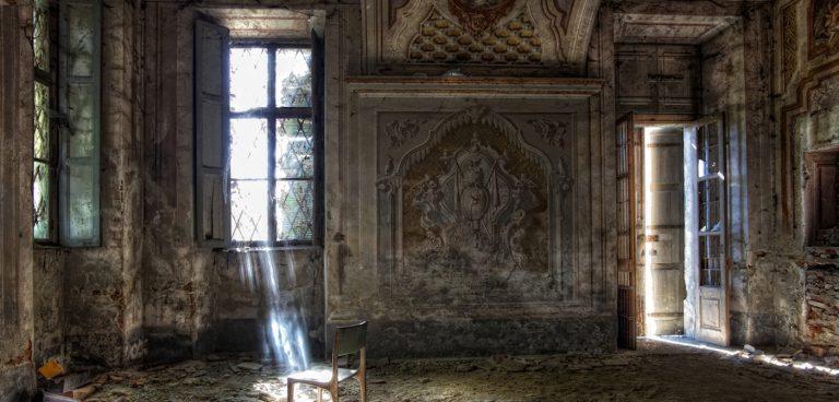 Leri, la tenuta abbandonata di Cavour a un passo dalle centrali nucleari