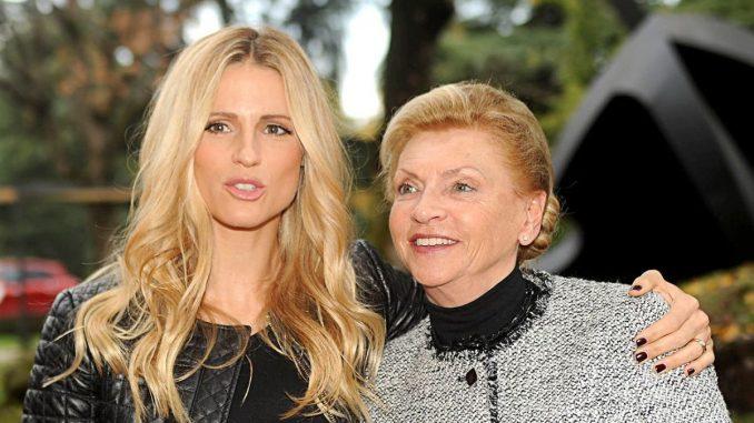 Michelle Hunziker, ecco la foto di famiglia per la Festa della Mamma