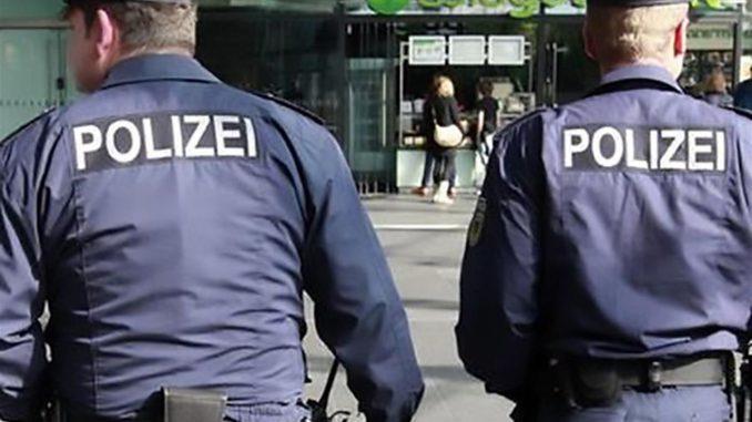 Monaco di Baviera, spari in metropolitana. Grave una poliziotta