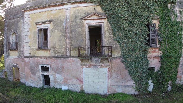 Villa-masseria abbandonata