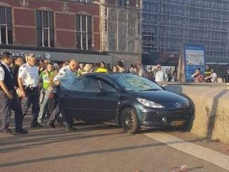 auto contro pedoni amsterdam