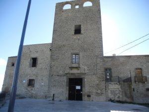 Il castello di fronte