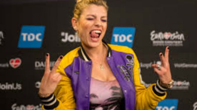 Emma Marrone: hot sui social, criticata dai followers