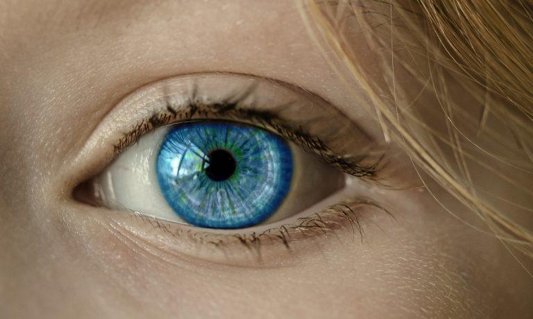 Come togliere borse sotto gli occhi: rimedi efficaci