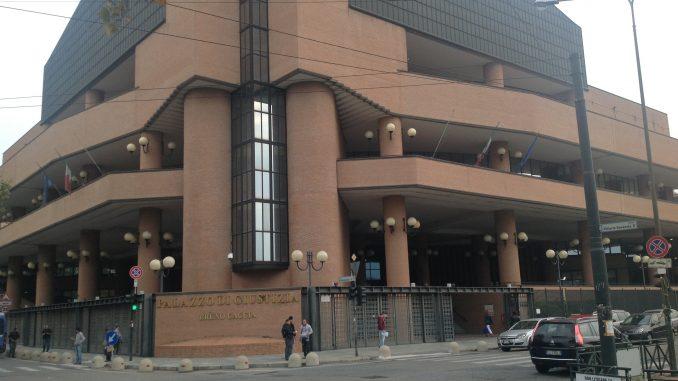 Torino: allarme bomba al Tribunale, due buste di polvere esplosiva