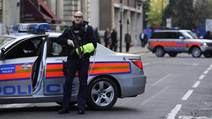 Londra: donna accoltellata da tre ragazze islamiche che inneggiavano ad Allah