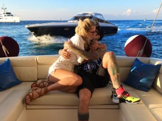 Coccole sullo yacht