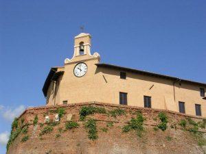 La torre con l'orologio