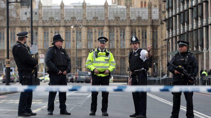 Londra, allarme incendio a Westminster: solo tanta paura