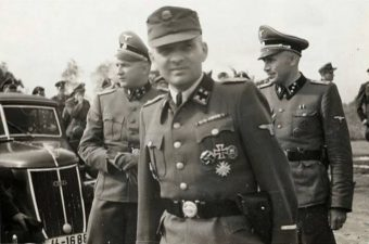 Uniformi naziste