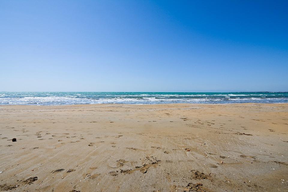 beach-1792346_960_720