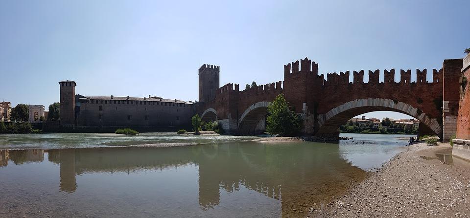 castelvecchio-1763213_960_720