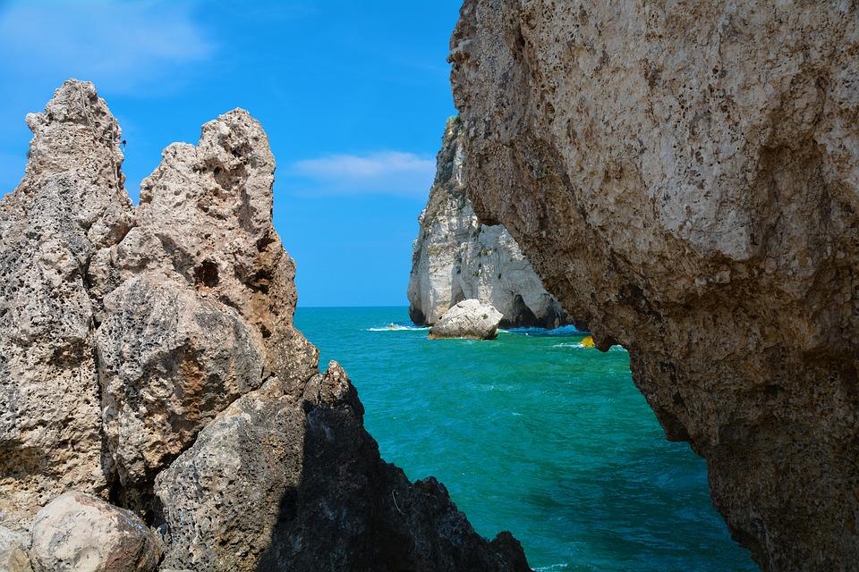 cliff-2231687_960_720
