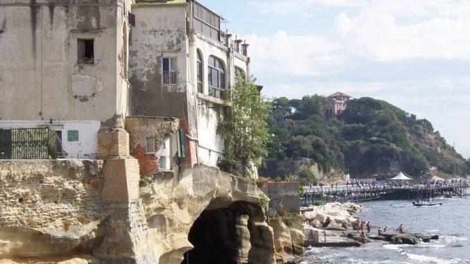 Diciasettenne violentata a Marechiaro: l'agghiacciante racconto della vittima