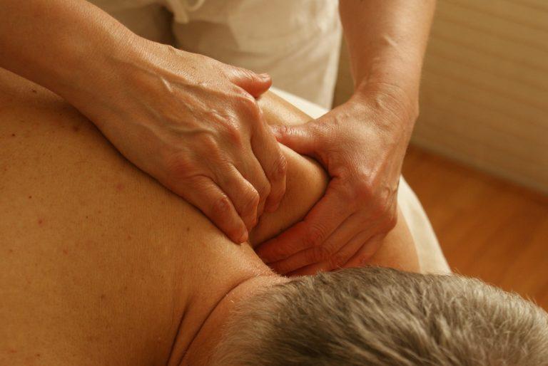 Come si curano i dolori articolari con metodi naturali