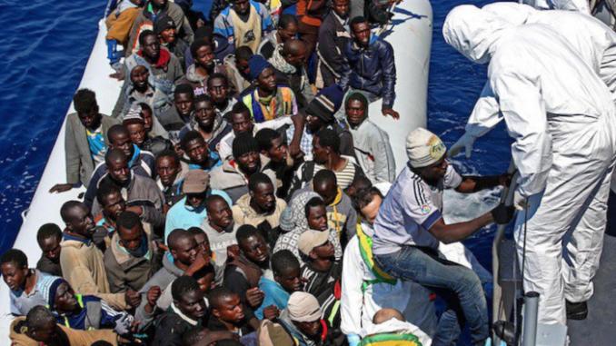 Migranti. Funzionaria prefettura Catanzaro e imprenditore ai domiciliari con l'accusa di corruzione
