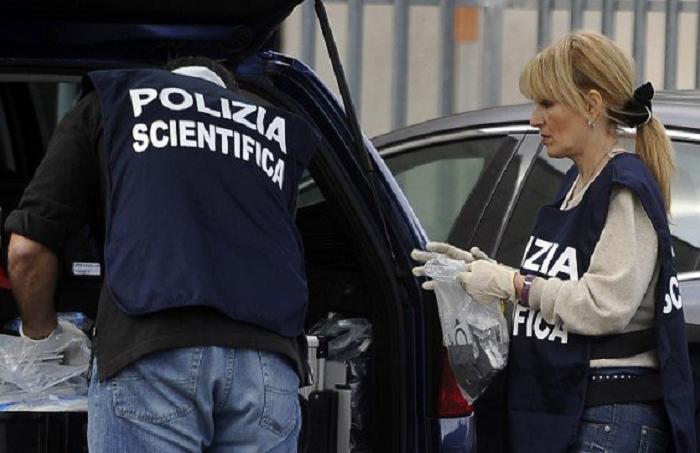 Roma, esplosione davanti a una Stazione dei carabinieri