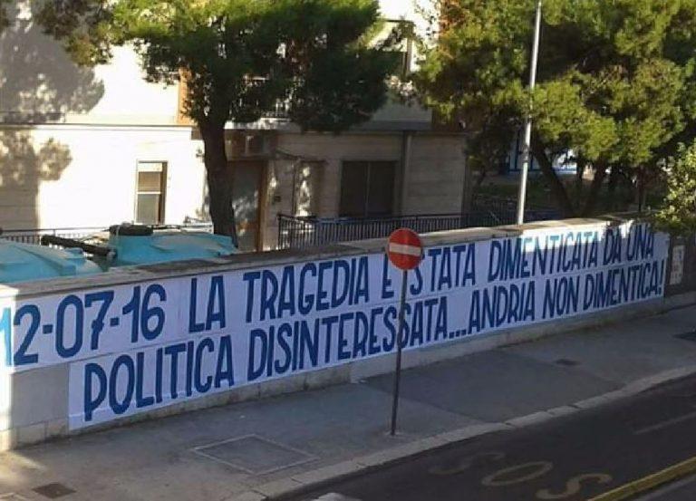 rimosso striscione ad Andria