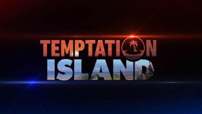 Temptation Island: Alessio bacia Carmen