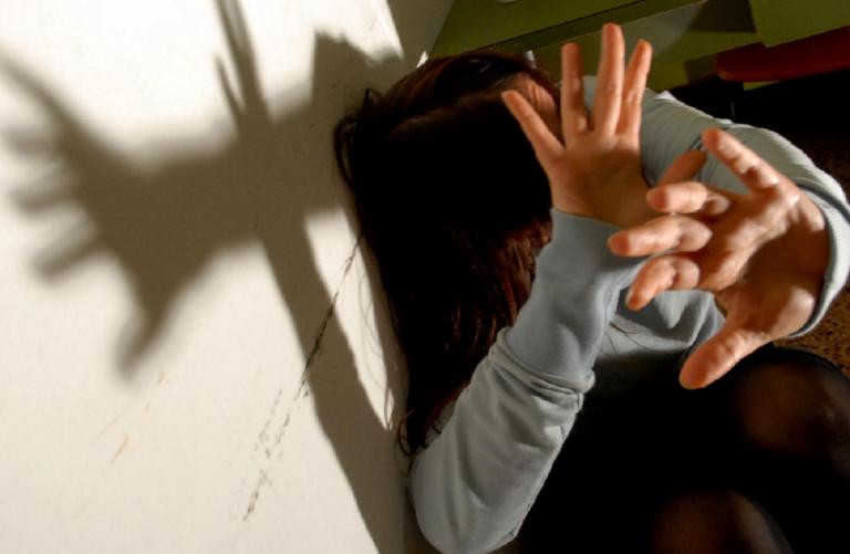 Varese, ragazza abusata sessualmente