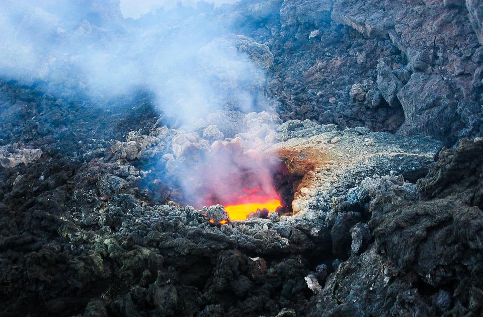volcano-2111947_960_720