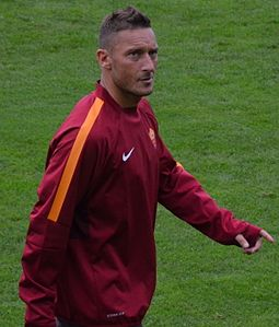 0681_totti_(14717979198)_(cropped)