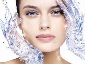 Come idratare la pelle del viso in modo naturale