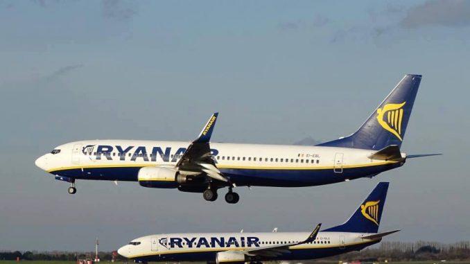 Ryanair: si cercano 100 assistenti di volo. Nessuna esperienza richiesta
