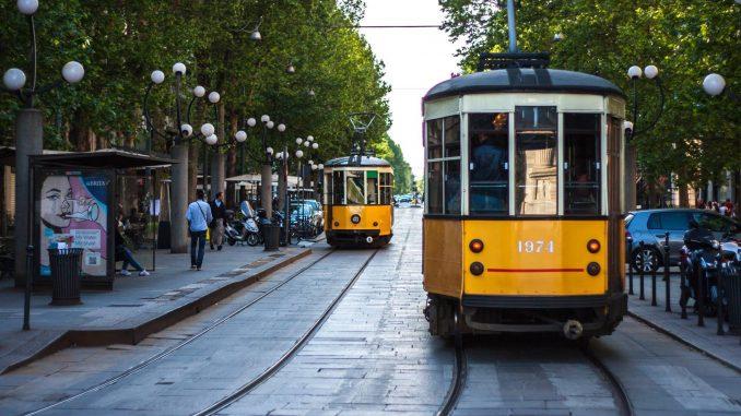 Schianto tram-ambulanza con due dializzati: tre feriti