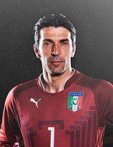 Gianluigi_Buffon_(2014)